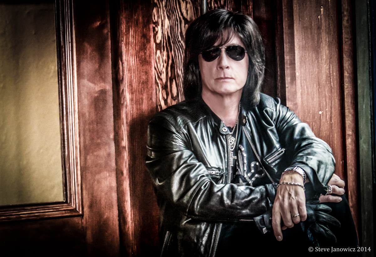joe lynn turner revisits some of his classic rock influences on new album music life magazine. Black Bedroom Furniture Sets. Home Design Ideas
